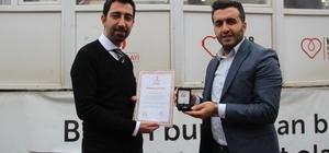Solhan'da düzenli kan bağışı yapan 4 kişi madalya verildi