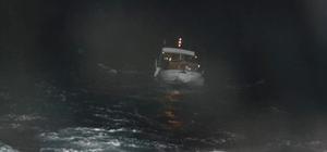 Kuşadası Körfezi'nde sürüklenen teknedeki 2 kişi kurtarıldı