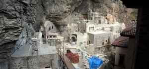 Sümela Manastırı'ndaki çalışmalara hava muhalefeti engeli