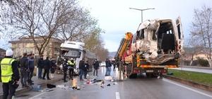 Çanakkale'de işçi minibüsü ile tırın çarpıştığı kaza 4 kişinin öldüğü, 16 kişinin yaralandığı kazada isimler belli olmaya başladı