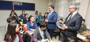 Başkan Köşker'den öğrencilere sürpriz ziyareti