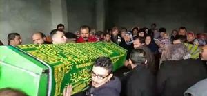 Aile faciasının kurbanları defnedildi Osmaniye'de  evden uzaklaştırma cezası alan kocası tarafından öldürülen Hürü Ergi ve oğlu Oğuzhan Ergi'nin cenazeleri Düziçi ilçesinde toprağa verildi