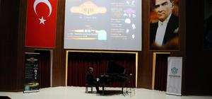 Piyanist Gökhan Aybulus Tekirdağ'da konser verdi
