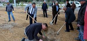 'Çocuklarımıza Bırakacağımız En Güzel Miras Ağaçtır' Sarıcakaya Belediyesi bin zeytin fidanını toprakla buluşturdu