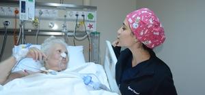 82 yaşındaki Ümit teyzeye hayat öpücüğü Dört defa kalbi durdu, 140 gün yoğun bakımda kaldı ve hayata tutundu