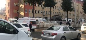 Rize Emniyet Müdürlüğünde silah sesleri duyuldu, emniyet binasından bazı yaralılar ambulanslarla çıkartıldı.