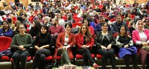NEVÜ'de 'Bir Kadın Uyanıyor' isimli tiyatro gösterisi yapıldı