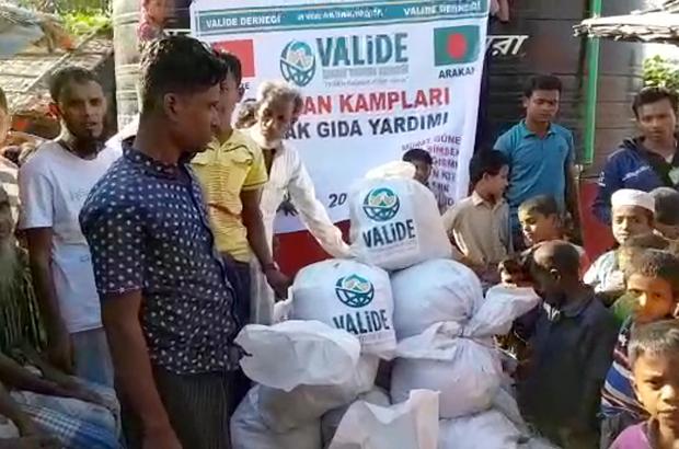 Valide İnsani Yardım Derneği'nden Arakanlı Müslümanlara yardım
