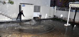 Kızıltepe'de cami bahçesini lağım suyu bastı