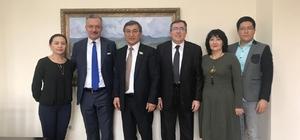 Rektör Akın Levent, Kazakistan'ta üniversiteleri ziyaret etti