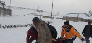 Ağrı'da askeri helikopterle hasta kurtarma operasyonu