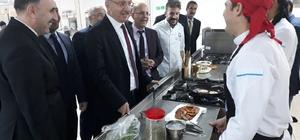 Rektör Akın Levent'den aşçılık mutfak atölyesine ziyaret