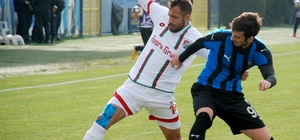 TFF 3. Lig: Karacabey Belediyespor: 0 - Cizrespor: 0