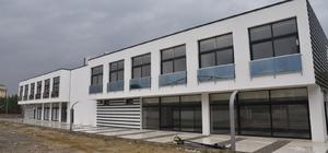 Manisa'ya spor alanında modern bir tesis kazandırılıyor