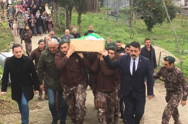Oğlunun şehit edilişinin 14. seneyi devriyesinde oğlunun yanına gömüldü