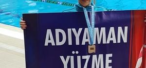 Yüzmede birinci oldu