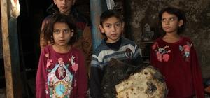 Yangında evleri küle döndü; kış ortasında 9 kişilik aile sokakta kaldı Evi yanan 2'si engelli 6 çocuklu anne Cumhurbaşkanından yardım bekliyor