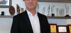 """Türkiye hindiyi sadece yılbaşında hatırlıyor Türkiye'de kişi başı hindi tüketimi yıllık 600 gram Avrupa'da 8, ABD'de 12 kilogram Antalya Organize Sanayi Bölgesi (AOSB) ve Bahar Tavukçuluk Yönetim Kurulu Başkanı Ali Bahar: """"Hindi eti genelde yılbaşı günü yenen bir et olarak değerlendiriliyor, aslında bu durumla hiç alakası yok"""" """"Sos kültürümüz geliştikçe hindi eti tüketimi artacaktır"""" """"Yılbaşında ülke genelinde 500-600 bin hindi kesimi olacaktır"""""""