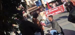 Büşra'nın aşkı genç adama sokak ortasında diz çöktürttü Antalya'da genç adamın sürpriz evlenme teklifi genç kızı ağlattı