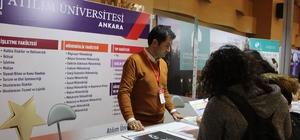 Fuarda Atılım Üniversitesi standına yoğun ilgi Üniversite adaylarının en çok hukuk fakültesi hakkında bilgi aldıkları görüldü