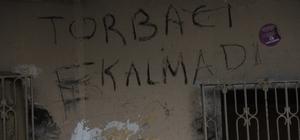 """Darbe yiyen uyuşturucu tacirleri, duvara """"torbacı kalmadı"""" yazdı Adana'da 1 yılda yaklaşık 900 uyuşturucu taciri tutuklanınca daha önce """"100 metre ileride gece çalışacak torbacı aranıyor"""" duvar yazısı yazan torbacılar, aynı mahallede bu kez """"torbacı kalmadı"""" diye yazdı"""