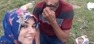 Karısını çekiç ve bıçakla öldürdü Adana'da bir kişi karısını çekiç ve bıçakla öldürüp komşularına haber verdi Koca olay yerine gelen polis tarafından gözaltına alındı