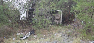 Otomobil, uçuruma yuvarlandı: 3 Yaralı