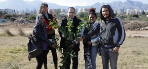 AÜ İletişim Fakültesi'nden ağaç dikme etkinliği