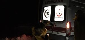 Sağlık ekipleri, kürekle yol açıp hastaya ulaştı