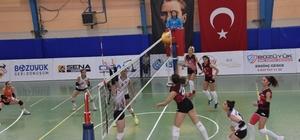 İdman Yurduspor, Kütahya Voleybol Takımını yendi