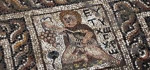 Binlerce yıllık mozaikte turp figürü