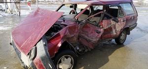 Cip ile otomobil çarpıştı: 2'si çocuk 3 yaralı