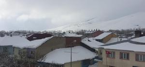 Bingöl'de kar nedeniyle okullar tatil edildi