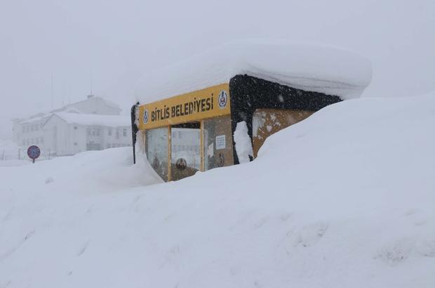 Bitlis Haberleri: Bitlis'te işçilerin zorlu kar temizliği