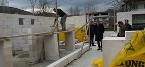 Vezirhan'da kapalı halı saha çalışmaları başladı