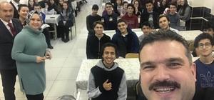 Rektör Çomaklı Muzaffer Çil Anadolu Lisesi'nde öğrencilerle bir araya geldi Rektör Çomaklı'dan öğrencilerle samimi sohbet