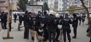 Batman'da izinsiz yürüyüşe müdahale HDP'nin Batman Belediye Başkan adayı Sabri Özdemir gözaltına alındı
