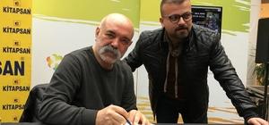 İzmir'de 'İdris Baba'ya büyük ilgi Usta oyuncu Ercan Kesal, İzmir'de kitabını imzaladı