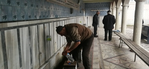 Hırsızlar, cemaati susuz bıraktı İznik'te 2 caminin abdest bölümündeki çeşmelerini çaldılar Cemaat pet şişeyle abdest almak zorunda kaldı