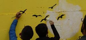 Gercüş'te sokaklar şair ve yazar resimleriyle renklendi