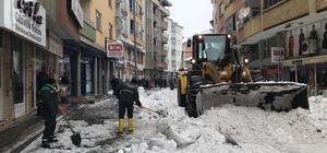 Bingöl'den 5 günde 650 kamyon kar taşındı