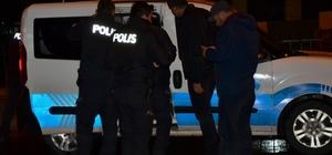 Polisin dur ihtarına uymayan araç lastiklerine ateş edilerek durduruldu