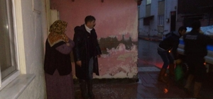 Yunusemre sel mağduru ailelere sahip çıkıyor