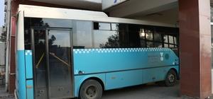 Ambulans değil halk otobüsü Kahraman şoför zamana karşı yarıştı Otobüste fenalaşan genç kadını hastaneye yetiştirdi