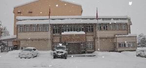 Muş Haberleri: 5 gündür kapalı yolda ekiplerin kar ve tipiyle mücadalesi 82