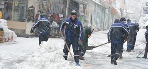 Develi de yoğun kar yağışı etkili oldu