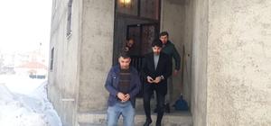 Erdoğan sevdalıları Yüksekova'da kapı kapı dolaşıyorlar