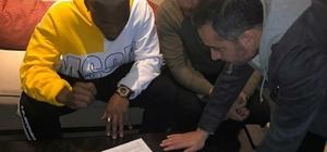 Yeni Malatyaspor, Thievy Bifouma ile 1.5 yıllık sözleşme imzaladı