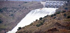 DSİ'den, İzmir'in o barajına karşı acil kod ile uyarı İzmir'de yağan yağmur barajları doldurdu, su taşkınına karşı yetkililer uyardı