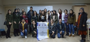 Avrupa gönüllü hizmeti projesine hibe kazandı Proje ile gençlerin Avrupa'da diledikleri bir ülkede gönüllü faaliyetlerde yer alması amaçlanıyor